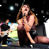 LAS VEGAS, NV - SEPTEMBER 27: Singer Ryn Weaver (R) performs onstage during day 3 of the 2015 Life Is Beautiful Festival on September 27, 2015 in Las Vegas, Nevada. (Photo by FilmMagic/FilmMagic)